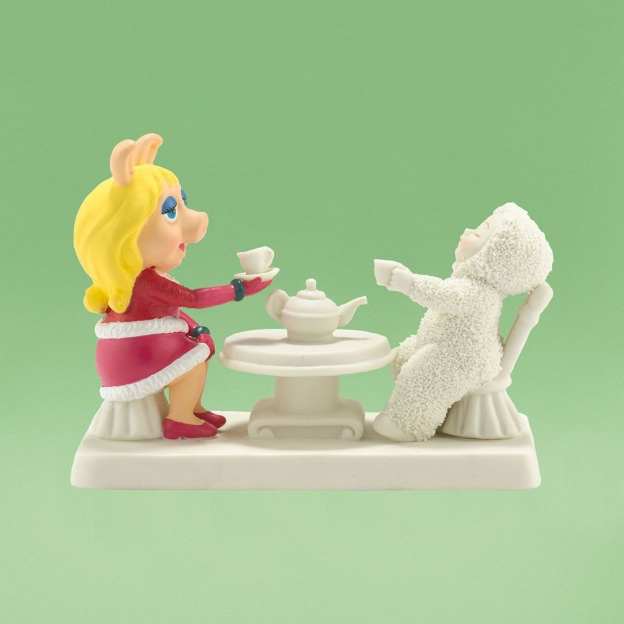 Miss Piggy Comes To Tea