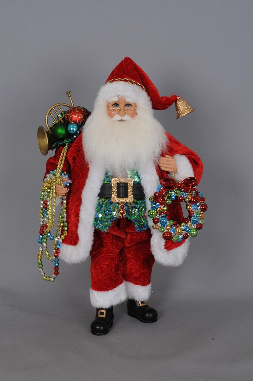 Santa With Beads And Wreath